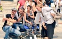 Paola Folli, di Elio e le Storie Tese, con i ragazzi di Pediatria dell'IRCCS Istituto Nazionale dei Tumori di Milano